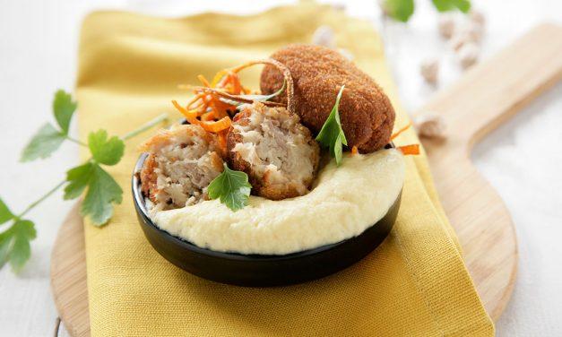 Croquetas caseras de cocido con espuma de hummus
